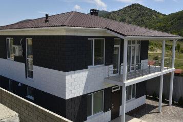 Дом, 200 кв.м. на 10 человек, 4 спальни, Новая улица, 19, Судак - Фотография 2