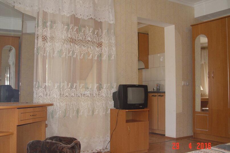 """Гостевой дом """"Таман"""", Партизанская улица, 6 на 12 комнат - Фотография 13"""