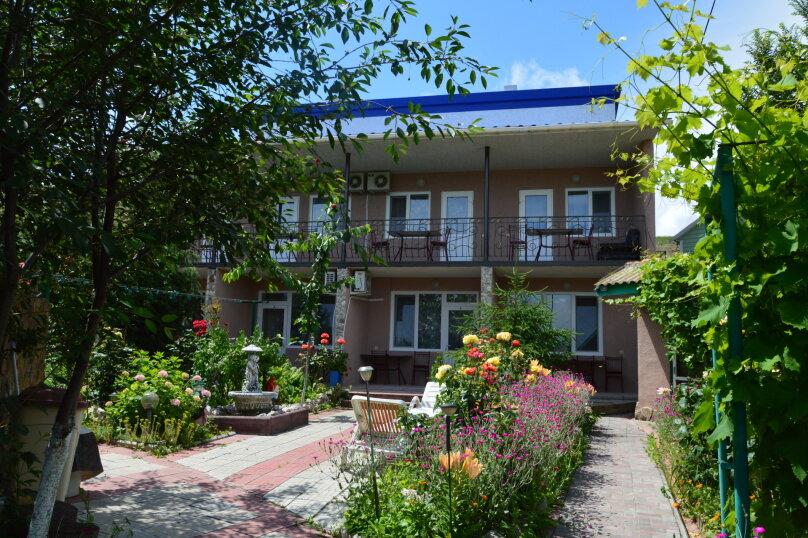 """Гостевой дом """"На Калинина 32"""", улица Калинина, 32 на 8 комнат - Фотография 2"""