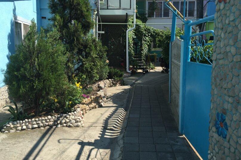 Двухэтажный домик на 1-3 человек. Центр города, 30 кв.м. на 3 человека, 1 спальня, улица Куйбышева, 12, Феодосия - Фотография 25