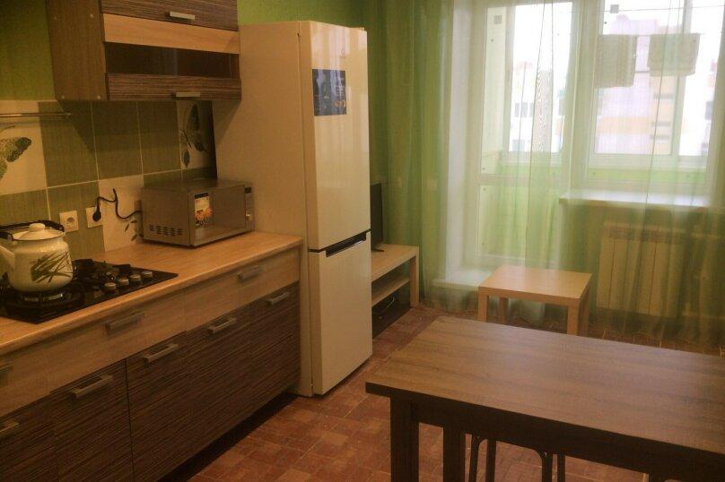 2-комн. квартира, 65 кв.м. на 6 человек, Ореховая улица, 3, Тамбов - Фотография 1