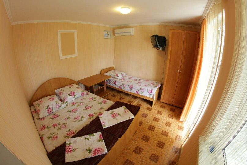 3-х местный номер с удобствами, улица Луначарского, 46, Геленджик - Фотография 1