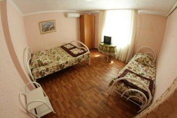 Дом на 6 человек, 2 спальни, улица Луначарского , Геленджик - Фотография 4