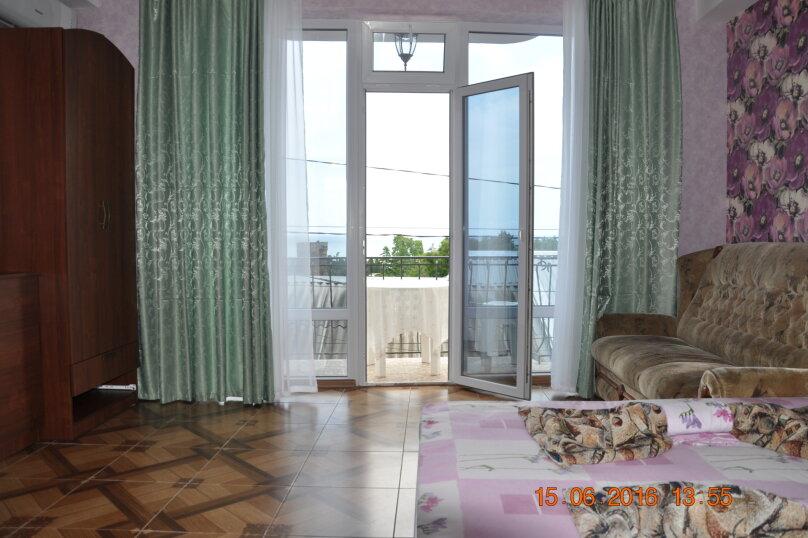 Новый номер с балконом и видом на море, Энгельса, 8, Алушта - Фотография 5