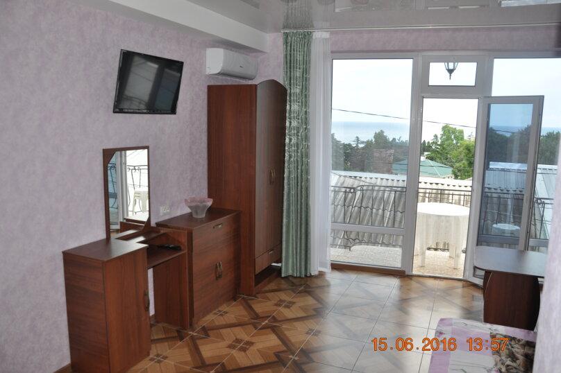 Новый номер с балконом и видом на море, Энгельса, 8, Алушта - Фотография 6