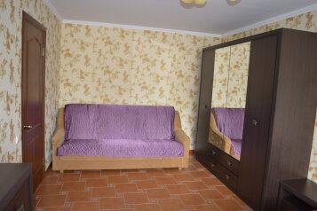1-комн. квартира, 32 кв.м. на 3 человека, бульвар Старшинова, 4, Феодосия - Фотография 2