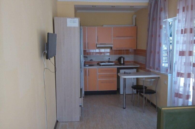 Сдам жилье в Алупке, 20 кв.м. на 3 человека, 1 спальня, улица Калинина, 32, Алупка - Фотография 4