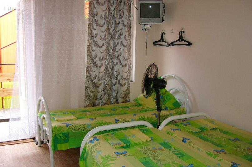 Трехместный Ст. на 2 эт. с вентилятором, Новороссийская улица, 132, Анапа - Фотография 1