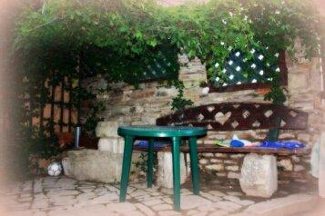 Сдаётся гостевой дом на 6+9 чел в Крыму в Орджоникидзе в 30 шагах от моря .цена 6000., Шелковичная улица на 4 номера - Фотография 2