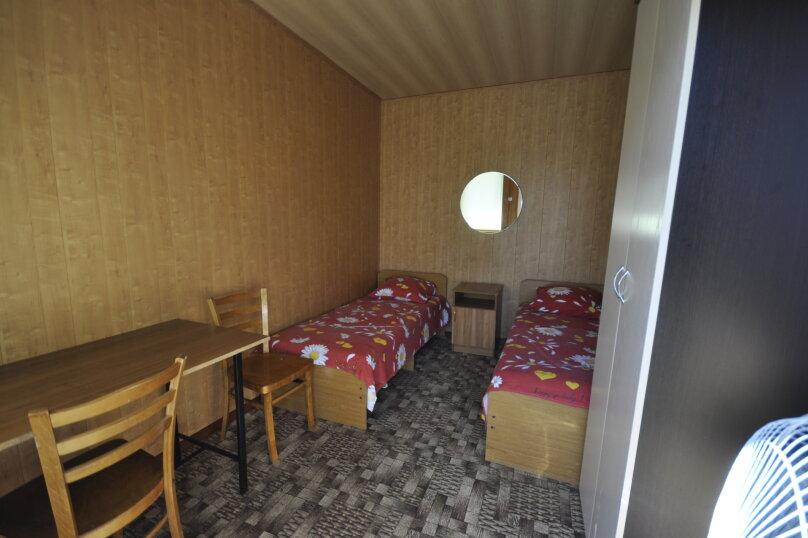 """Частный сектор """"На Черноморской 22"""", Черноморская улица, 22 на 10 комнат - Фотография 13"""