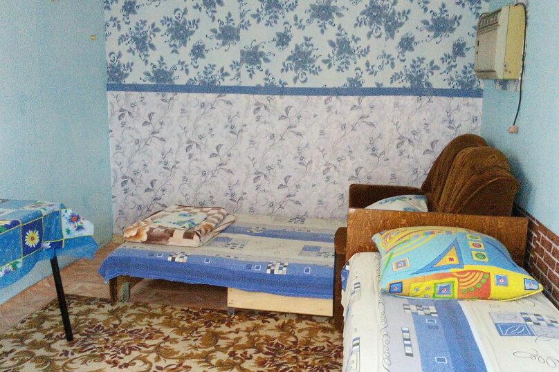 Номер 2: в гостевом домике, кондиционер, 2-4 человека, под ключ, с отдельным входом с улицы., улица Александрова, 4, Соль-Илецк - Фотография 1