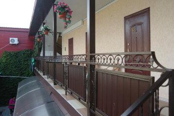 Гостевой дом, Азовская улица, 3 на 8 номеров - Фотография 2