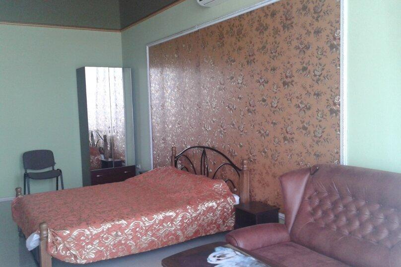 Делюкс однокомнатный на первом этаже. Номер 101, Алупкинское шоссе, 2В, Кореиз - Фотография 1