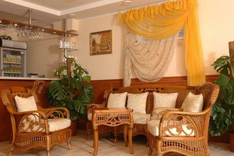 Улучшенный 2-х мест. с балконом, улица Десантников, 16, Коктебель - Фотография 2