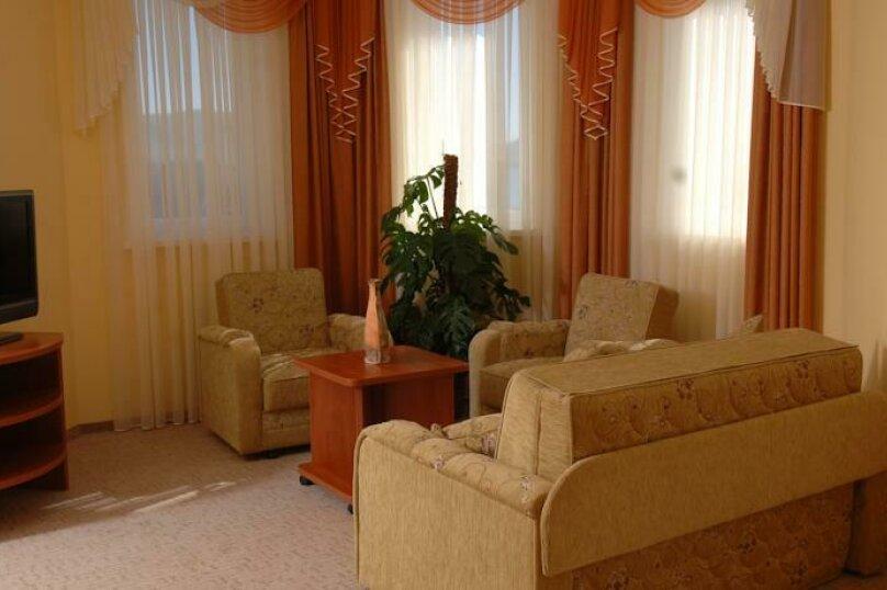 Улучшенный 2-х мест. с балконом, улица Десантников, 16, Коктебель - Фотография 4