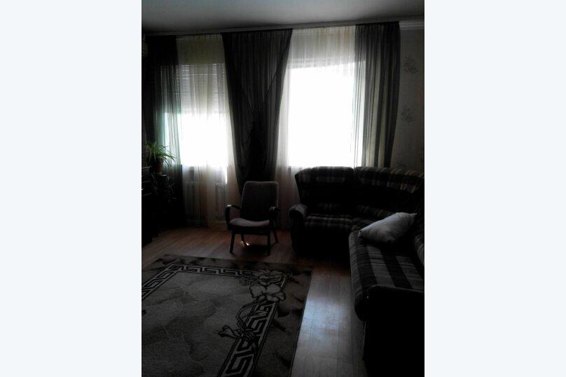2-комн. квартира, 56 кв.м. на 6 человек, Ул.Комисаровская , 50, Евпатория - Фотография 2