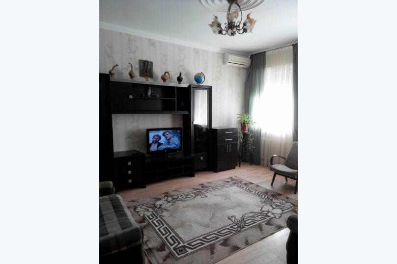 2-комн. квартира, 56 кв.м. на 6 человек, Ул.Комисаровская , 50, Евпатория - Фотография 3