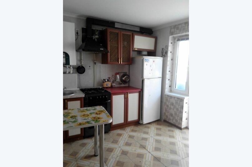 2-комн. квартира, 56 кв.м. на 6 человек, Ул.Комисаровская , 50, Евпатория - Фотография 7