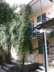 Гостевой дом , улица Ешиль-Ада, 21 на 9 номеров - Фотография 1