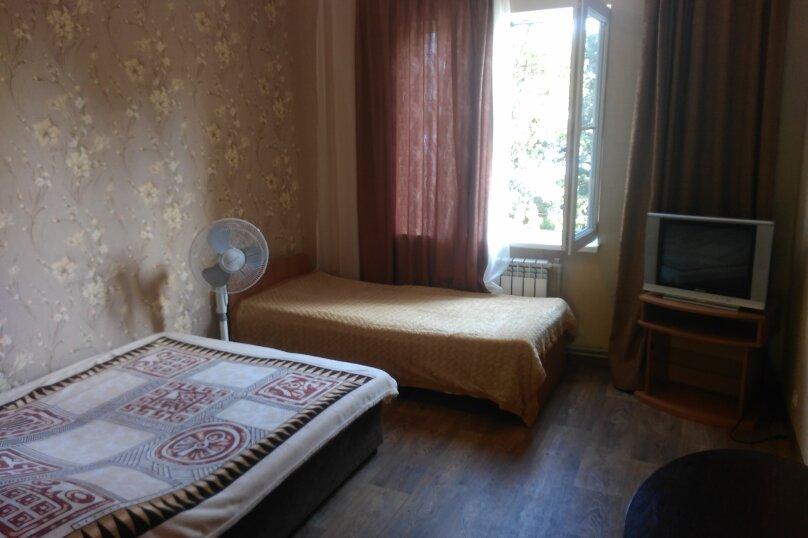 1 комнатный номер на 2 этаже, улица Горького, 10, Симеиз - Фотография 1