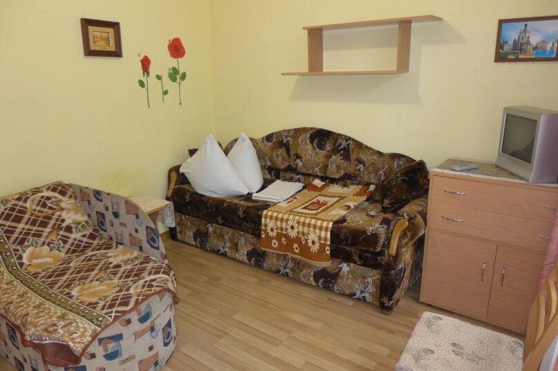 Гостиница 660477, Пионерская улица, 46 на 4 комнаты - Фотография 3