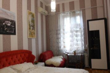 1-комн. квартира, 29 кв.м. на 3 человека, улица Лермонтова, Севастополь - Фотография 1