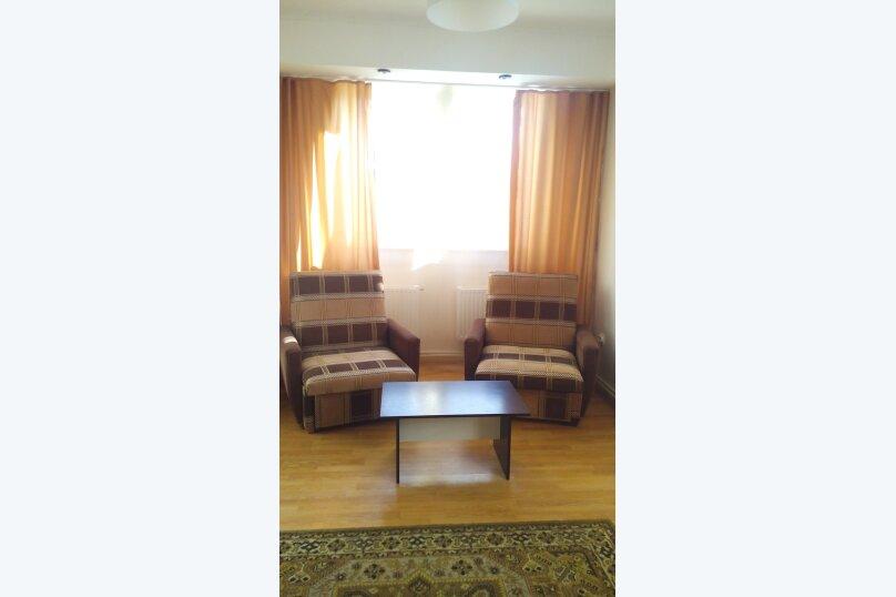 1-комн. квартира, 36 кв.м. на 2 человека, улица Иванова, 19, Кингисепп - Фотография 2