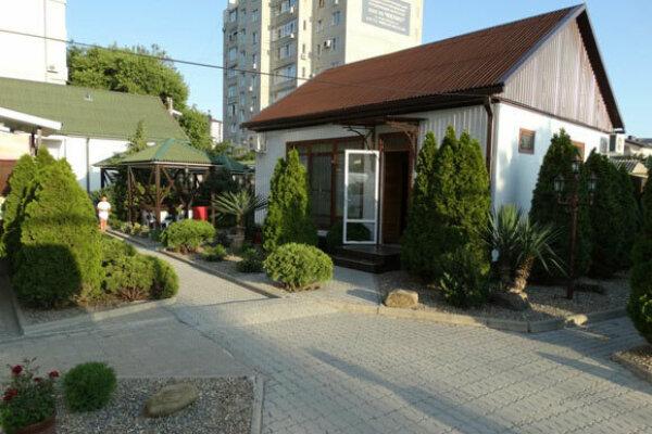 Бунгало, 60 кв.м. на 6 человек, 1 спальня, улица Островского, 134Б, Геленджик - Фотография 1