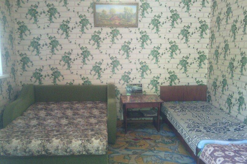 Комната в гостевом домике на 2+2 человека, Александрова, 5, Соль-Илецк - Фотография 1
