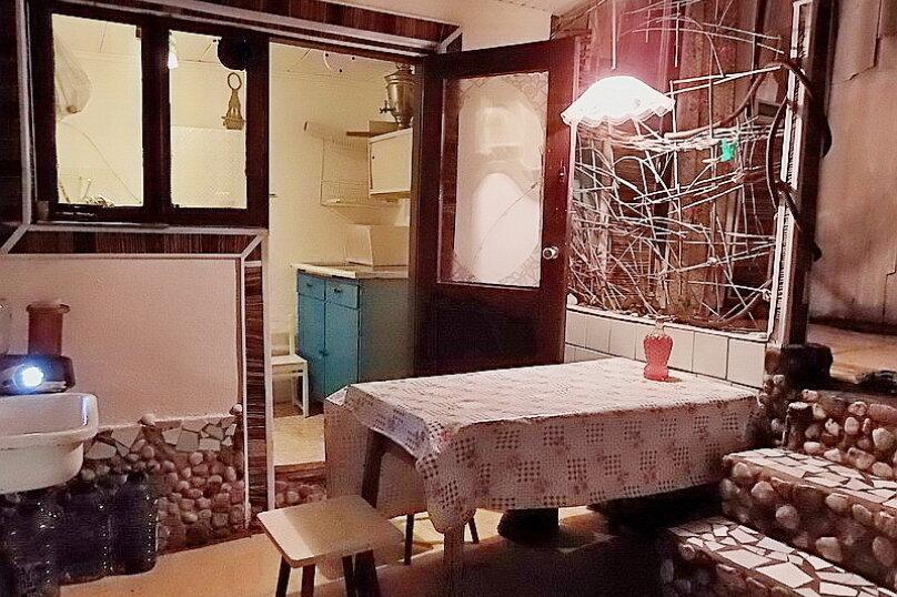 Эконом дворик из СССР, 15 кв.м. на 4 человека, 1 спальня, улица Ленина, 130, Коктебель - Фотография 27
