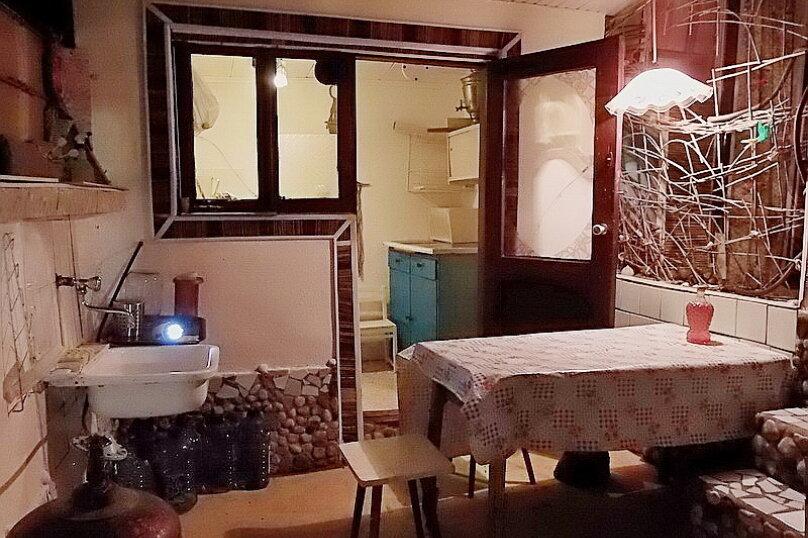 Эконом дворик из СССР, 15 кв.м. на 4 человека, 1 спальня, улица Ленина, 130, Коктебель - Фотография 28