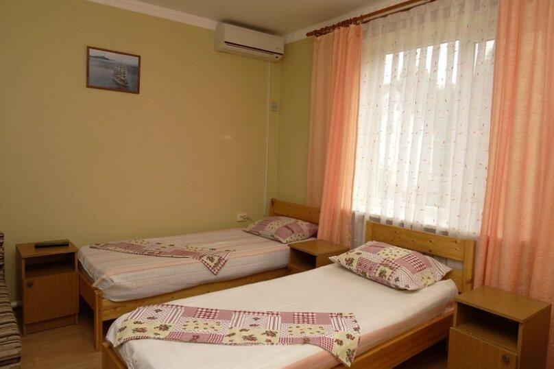 Трехместный Эк. с кондиционером 2 этаж №4, улица Гоголя, 197А, Анапа - Фотография 1