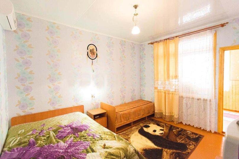 Трехместный №Б-4, улица Сурикова, 52, Геленджик - Фотография 3