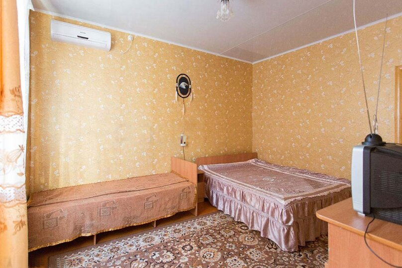 Трехместный №Б-4, улица Сурикова, 52, Геленджик - Фотография 4