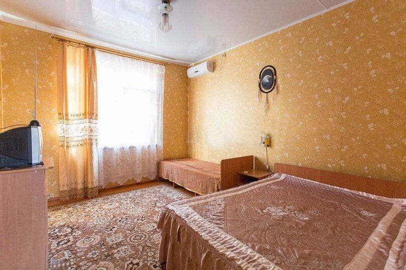 Трехместный №Б-4, улица Сурикова, 52, Геленджик - Фотография 5