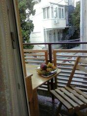 """Комната в районе гостиницы """"ореанда"""", улица Володарского на 1 номер - Фотография 1"""