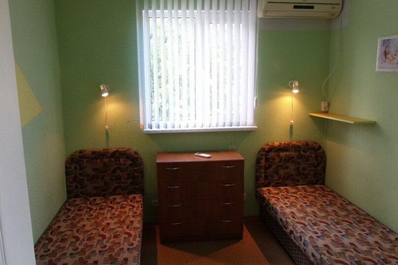 Двухместный номер стандарт с раздельными кроватями, улица Жуковского, 14, Коктебель - Фотография 1