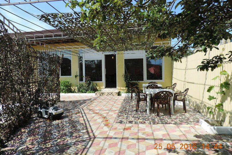 Гостевой дом Мария, Черноморская улица, 48 на 12 комнат - Фотография 1