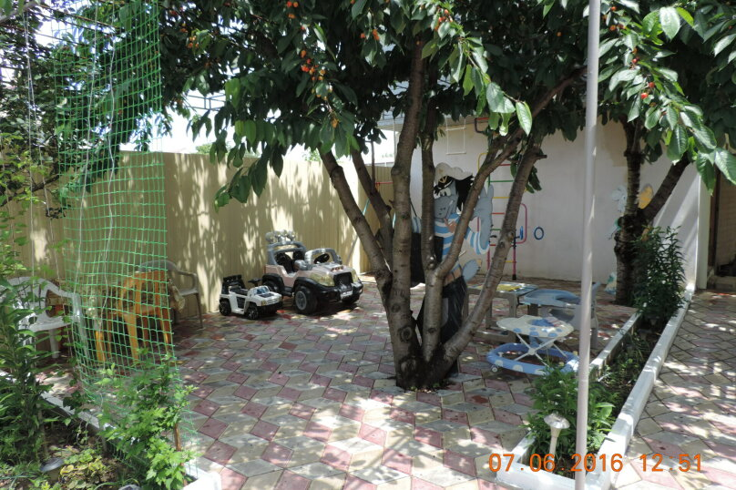 Гостевой дом Мария, Черноморская улица, 48 на 12 комнат - Фотография 5