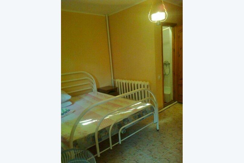 Комнаты для летнего отдыха с удобствами, улица Тургенева, 261 А/2 на 4 комнаты - Фотография 2