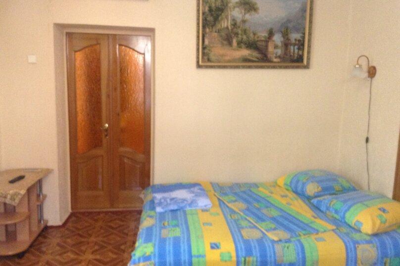 2-комн. квартира, 32 кв.м. на 3 человека, улица Космонавтов, 14, Форос - Фотография 1