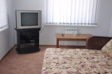 Комфортабельный коттедж, 70 кв.м. на 9 человек, 4 спальни, Людмилы Бобковой, Севастополь - Фотография 2
