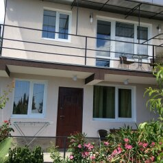 """Гостевой дом """"На Щепкина 2"""", улица Щепкина, 2 на 3 комнаты - Фотография 1"""