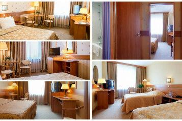 Стандарт с широкой кроватью :  Номер, 3-местный (2 основных + 1 доп), Гостиница, Измайловское шоссе на 21 номер - Фотография 2