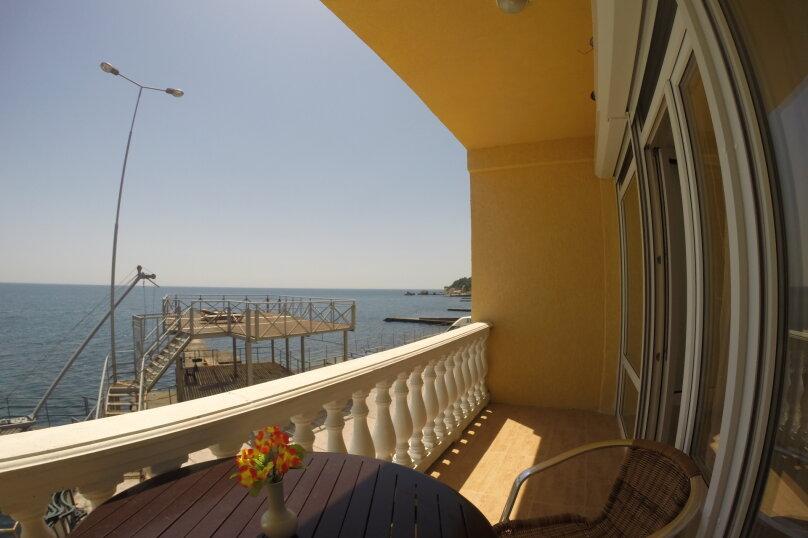 Эллинг на берегу моря., 135 кв.м. на 7 человек, 4 спальни, Баранова, 23, Симеиз - Фотография 1