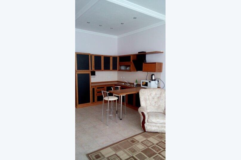 2-комн. квартира, 80 кв.м. на 5 человек, мориса тореза, 5, Ялта - Фотография 1