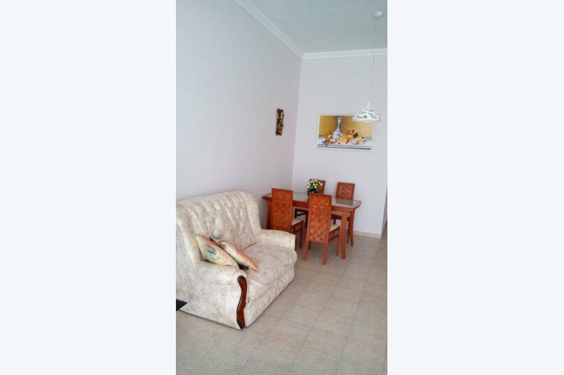 2-комн. квартира, 80 кв.м. на 5 человек, мориса тореза, 5, Ялта - Фотография 2
