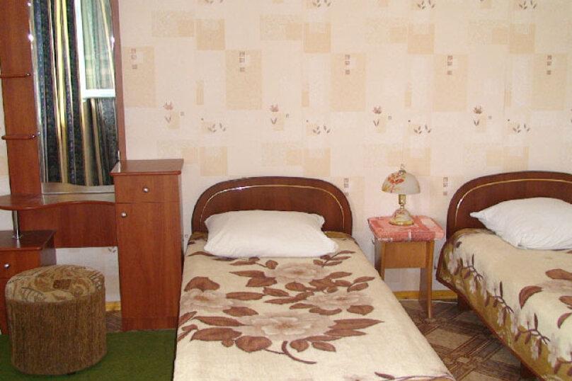 Уединенный номер люкс на 3 человека второй этаж с площадкой, улица Ленина, 6, Морское - Фотография 1