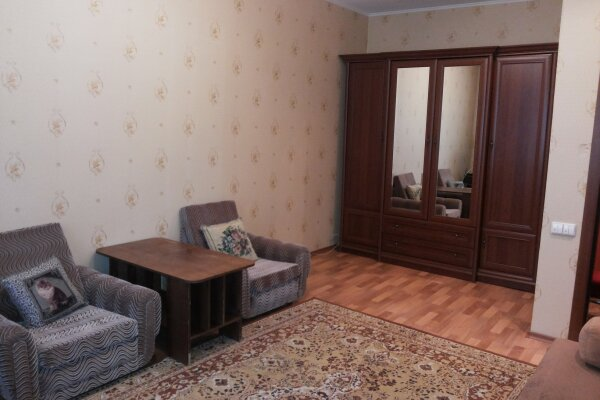 1-комн. квартира, 38 кв.м. на 2 человека, Маяковского , 16, Железногорск - Фотография 1