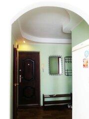 2-комн. квартира, 50 кв.м. на 6 человек, проспект Ленина, 128, Магнитогорск - Фотография 3